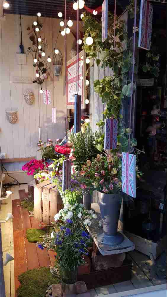 BritishFlowerWeek/FloralEleganceThroughRightWindow.jpg
